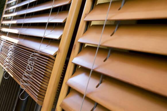 фото деревянных жалюзи
